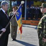 Catalin Zisu, la primirea drapelului CLI  foto: mapn.ro